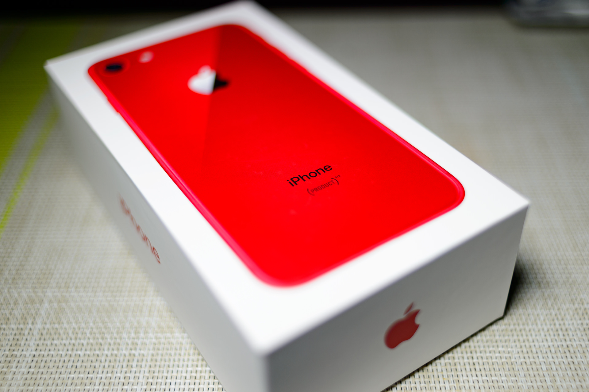 iPhone 8、(PRODUCT)RED