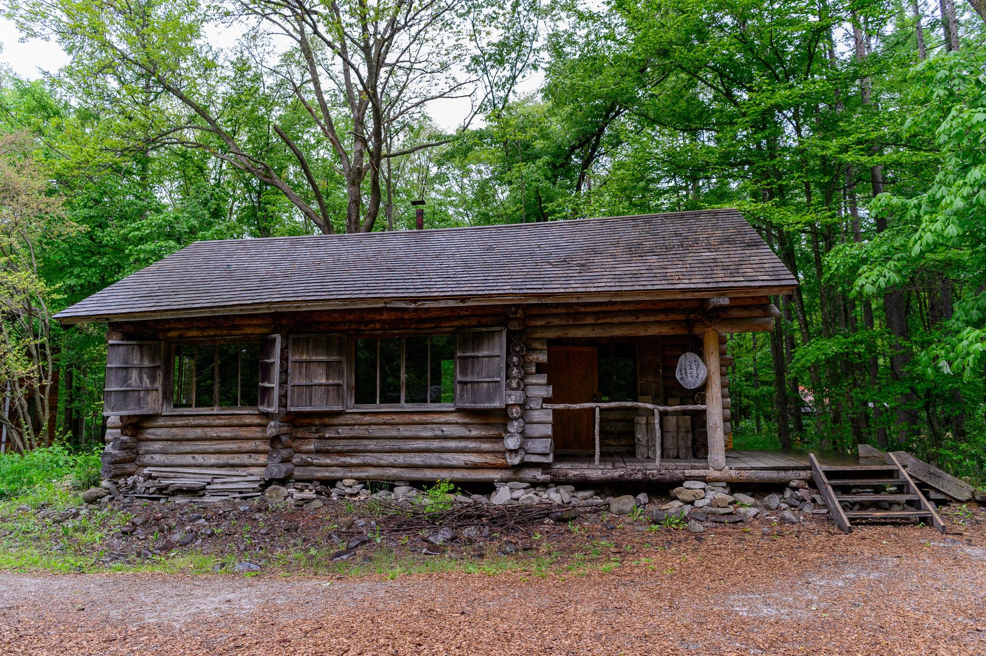 北の国から、丸太小屋