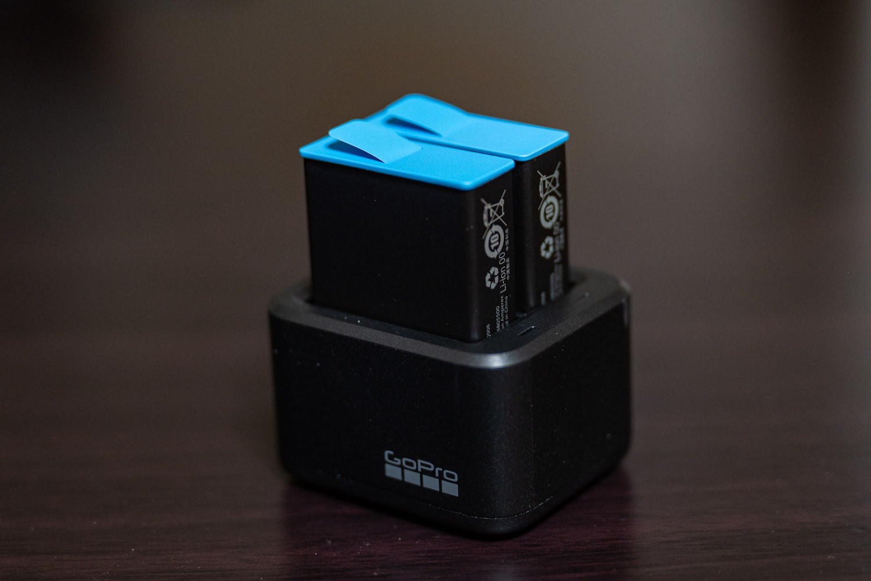 デュアルバッテリーチャージャー HERO9ブラック用